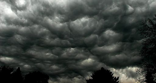 512px-storm_clouds