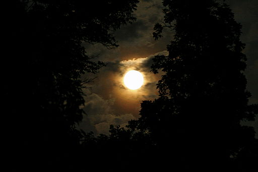 512px-July_Full_Moon